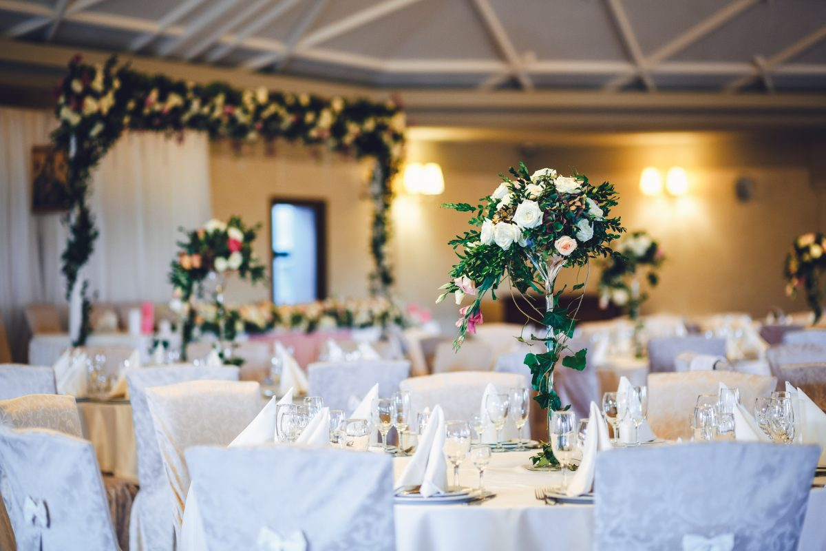 Como organizar las mesas del banquete de boda